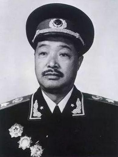 这位湘籍开国元帅收养了10个烈士遗孤 还为子女立铁规
