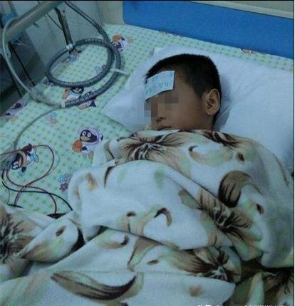 长沙一幼儿园多名儿童疑似细菌感染出现呕吐 拒绝上报疾控引家长争议