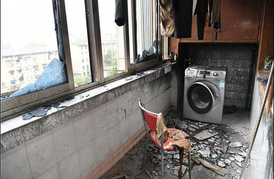 长沙东瓜山民房起火 一男子因醉酒跑错方向丧命