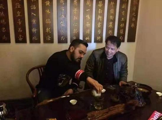 以茶为媒 他要让世界更了解湖湘文化